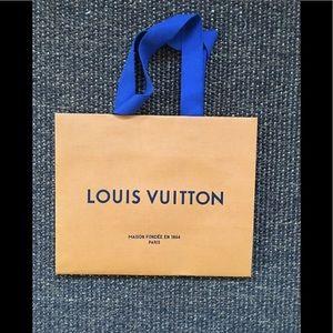 New  Louis Vuitton shopping bag